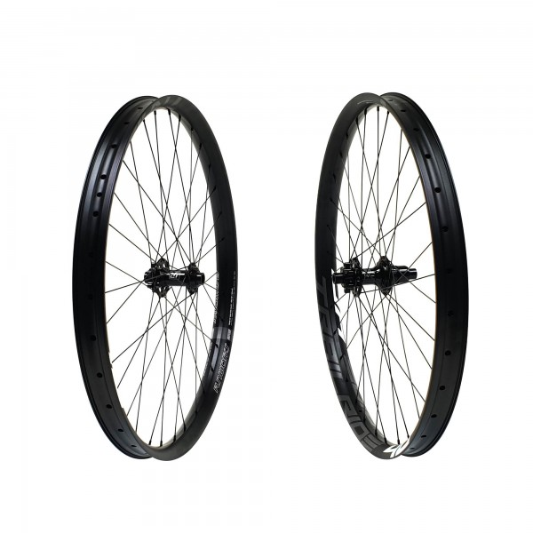 Fun Works N-Light One Trailride 40 Wheelset 27,5 650b 1900g