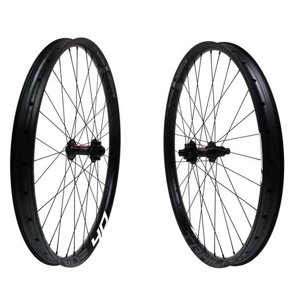 DT Swiss 370 Boost Disc IS Trailride 40 Comp Race Laufradsatz 29er 2060g