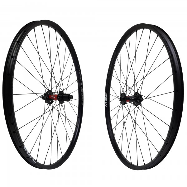 DT Swiss 240s Boost Disc IS NoTubes ZTR Crest MK3 Comp Race Laufradsatz 27,5 650b 1430g