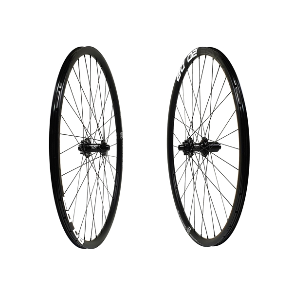 Fun Works N-Light One Disc IS Universe 20 DB Wheelset 700C 1630g