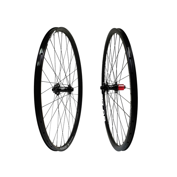Fun Works N-Light Mega IS Disc 36T Ratchet Drive Universe 20 DB Wheelset 700C 1600g