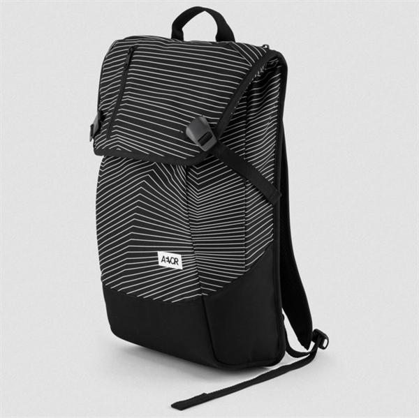 Aevor Daypack Essential Fineline Black 18 - 28 Liter