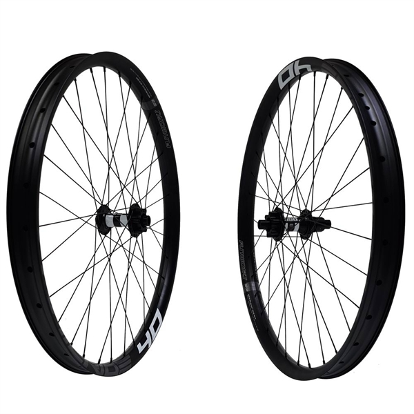 DT Swiss 350 Disc IS Trailride 40 Comp Race Wheelset 29er 2060g