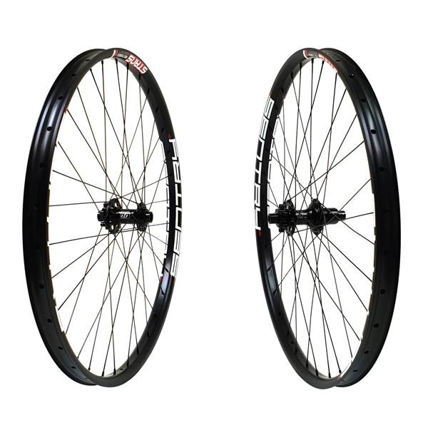Fun Works N-Light Boost NoTubes ZTR Sentry MK3 Comp Race Laufradsatz 27,5 650b 1800g