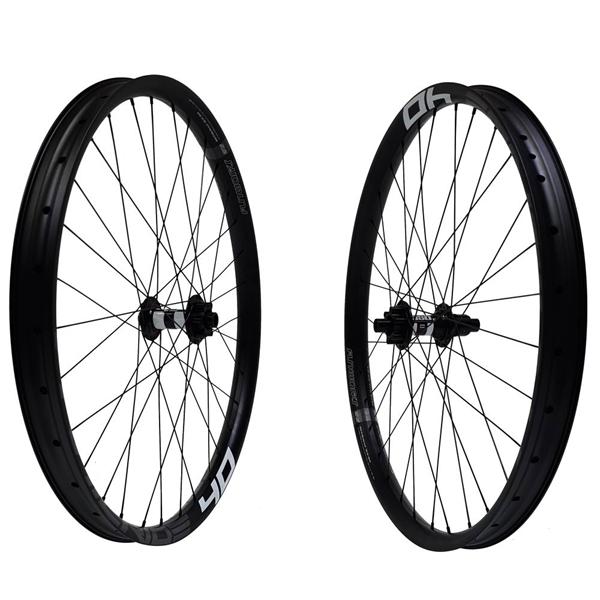 DT Swiss 350 Boost Disc IS Trailride 40 Comp Race Wheelset 29er 2060g